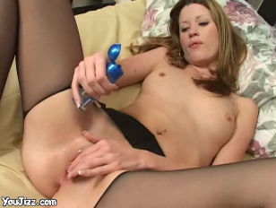 Picture Amazing Babe Nadia Fucking Her Small Pussy T...