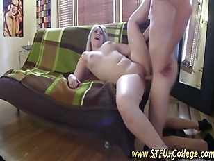 Amateur college blondie gets fucked