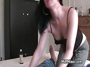 Amateur MILF performs cock mas