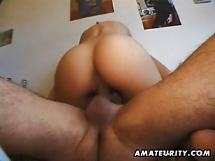 Amateur girlfriend sucks and f