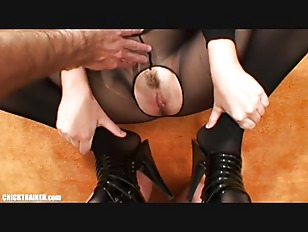 Picture Deep Throat Mom - Real MILF Housewife In Crotchle...