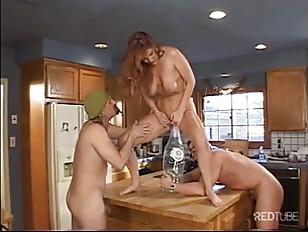 Picture Kitchen Double Penetration