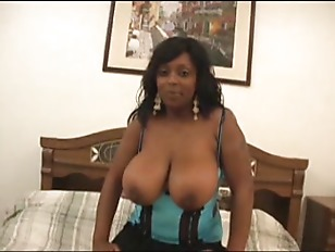 Picture Busty Ebony Blowjob
