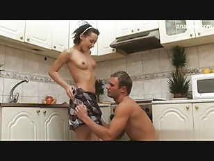 Зрелая брюнетка каре порно