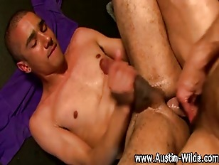 Austin Wilde gets off on hunks