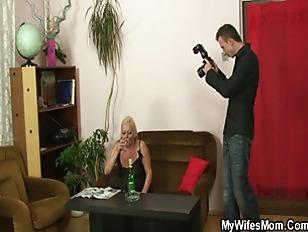 Девушку трясет во время анала на съемках