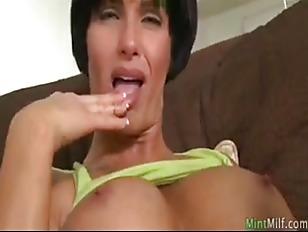 Порно сиски в молоке