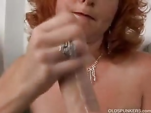 Picture Redhead Cougar Is A Squirter