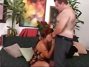 Виктория боня сосет член