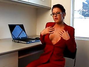 A super duper horny secretary