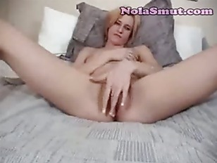 Fingering My Wifes Dripping Pu