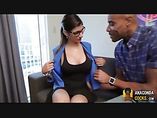 Mia Khalifa ready for a health
