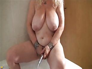 Кончает в жену на глазах у мужа порно