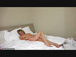 Picture OldNanny Sexy Mature And Her Daughter Is Pla...