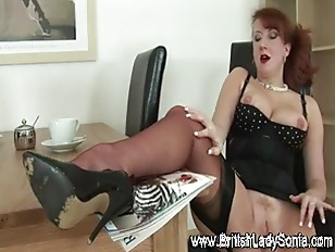 Old maure red haired slut suck
