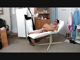 Picture Brunette Milf Body Check