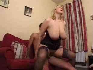 Порноролик жену ебут муж дрочит