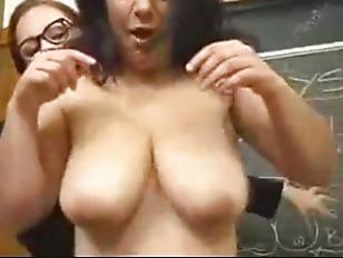 Порно ебать жену толпой