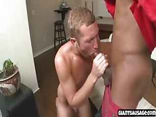 muscle jock gives blowjob to b