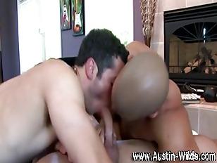 Muscular gays get nasty