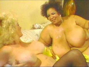 Порно видео анальные лесбияки