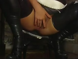 Twins ass fucked and cum swap well