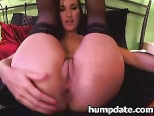 Stunning Babe Toying Both Hole