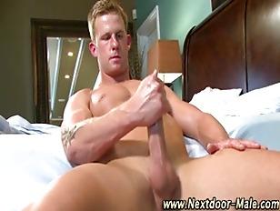 Muscle jock hunk jacking off h