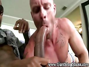 Muscley big black dick gets su