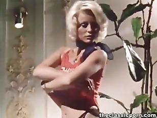 Picture Blondie Fuck In Classic Porn Movie