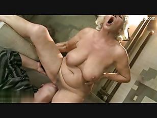 Смотреть женские оргазмы подборка онлайн струйный