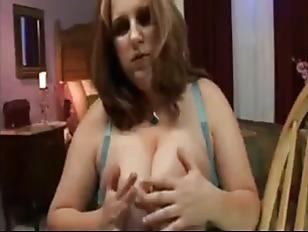 Беременная девушка сосёт у мужика