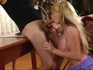 Picture Milf Knows To Use Mouth And Tits