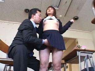 Русская девушка лижет жопу парню порно