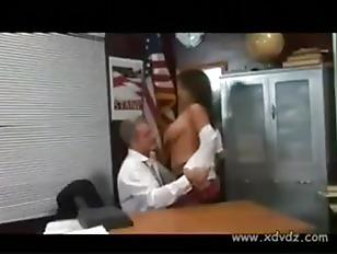 Групповая порно с женой