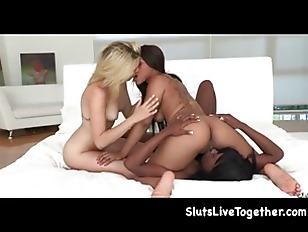 Порно с жосткой канчой баб