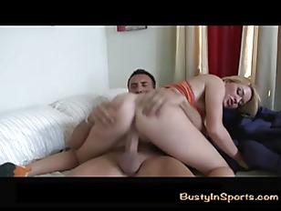 Порно дрочка ногами