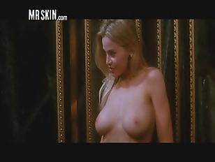 Hot Nude Elevator Celebs going