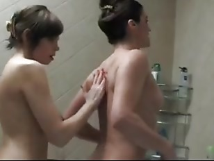 Picture Douche Lesbienne Hot Lesbians In The Shower