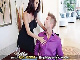 Picture MILF McKenzie Lee Fuck On Naughty America