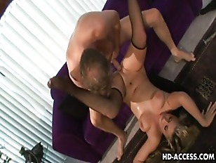 Sexy Bailey shaved pussy sex