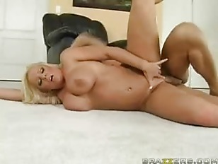 Picture Alexis Golden Milf Sized Facial