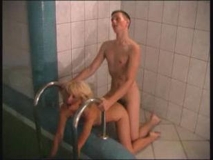 Девушка обосралась при анале порно