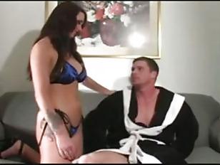 Девушка делает мужчине анальный фистинг вижео