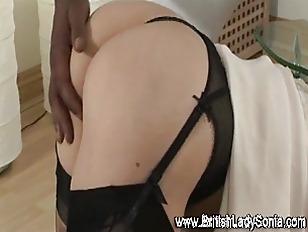 Mature stocking brit Lady Soni