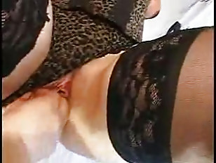 British Jamie In Threesome