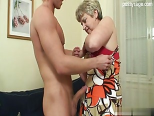 Picture Short Haired Gilf Action