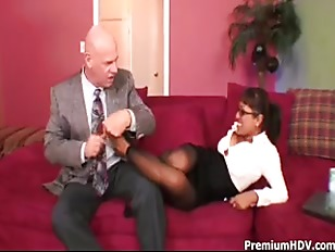 Picture Mature Ebony Babe Fucks With Boss