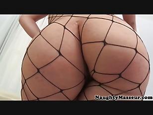 Вылизывет спему из вагины видео