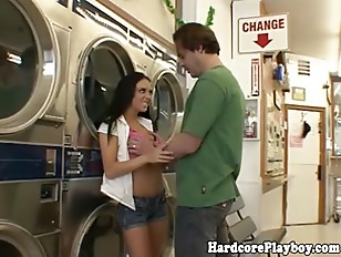 Picture Horny Burglary Slut Fucked In Laundromat